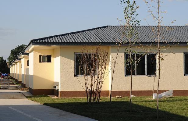 新农村社区树脂瓦屋面