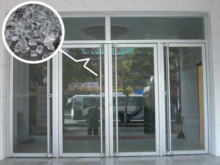 南宁玻璃门安装【玻璃门为什么要选择钢化玻璃?】