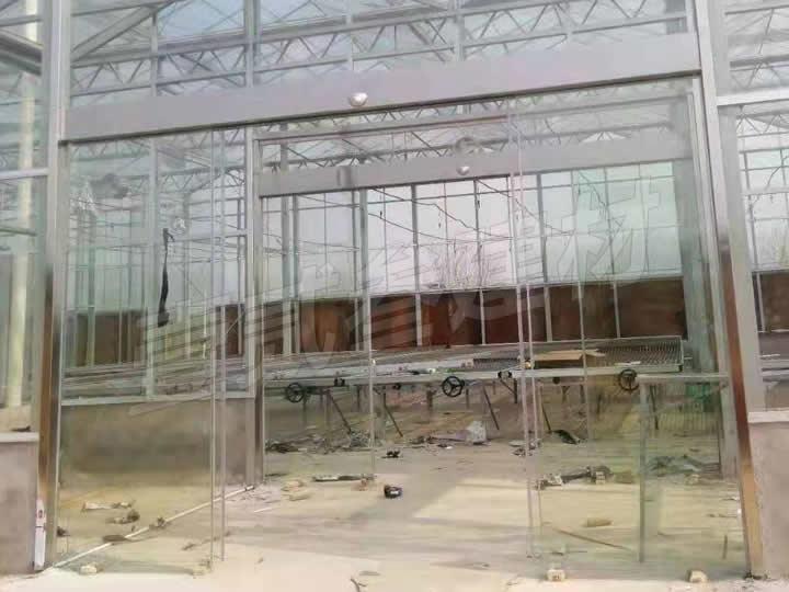 南宁横县茉莉花产业园感应门安装完工。