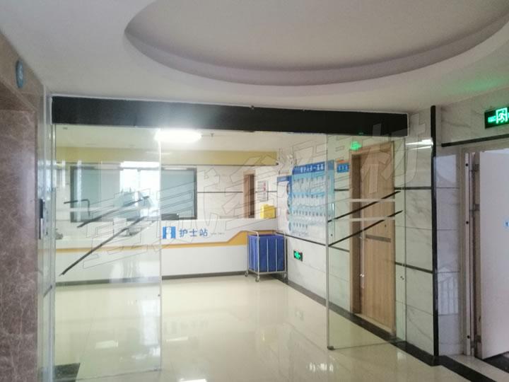 广西医科大第一附属医院感应门交付使用。