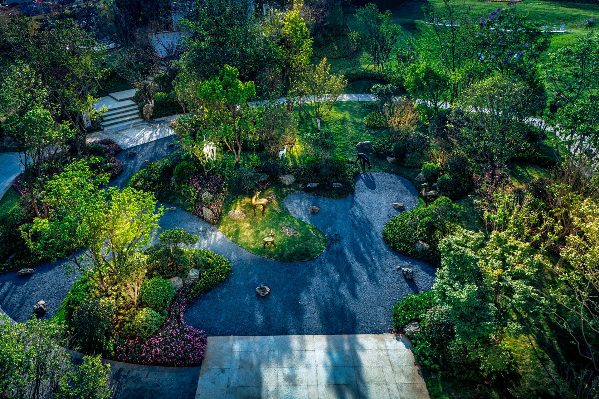 腾冲恒达自在山居旅游综合体景观绿化工程
