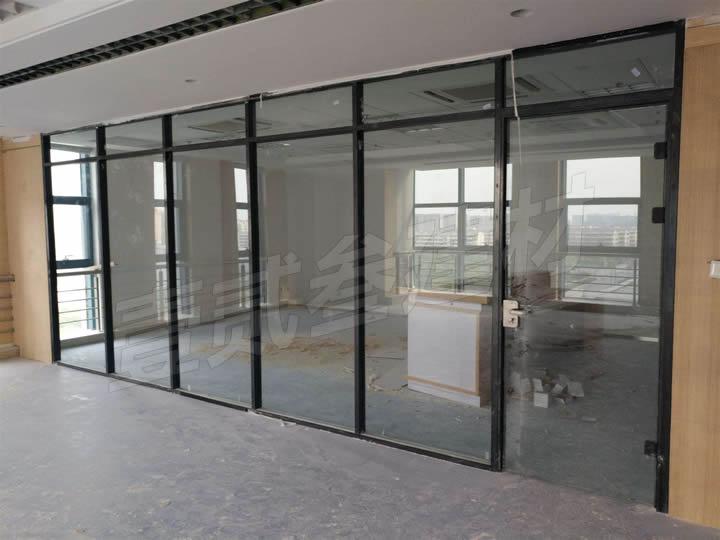 南宁办公室玻璃隔断多少钱一平方米?