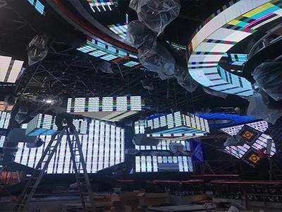 酒吧创意造型室内LED显示屏