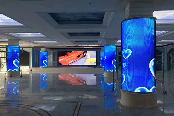 酒店宴会厅圆柱LED显示屏