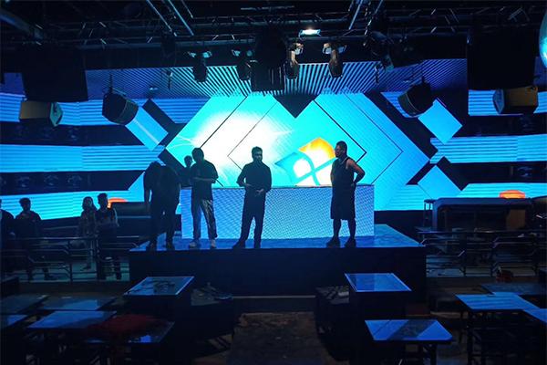 西安演艺酒吧LED显示屏