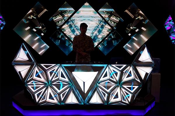 泰安演艺酒吧背景LED显示屏