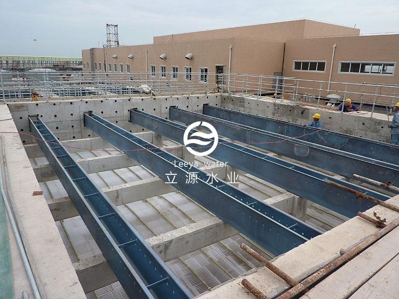 斜板沉淀池填料安装施工实景照