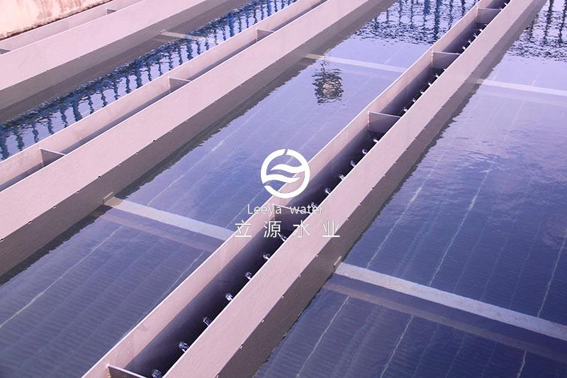 运行中的斜板填料沉淀池实景照片