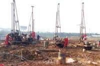 江夏大橋新區集中還在建新村二期勘察施工