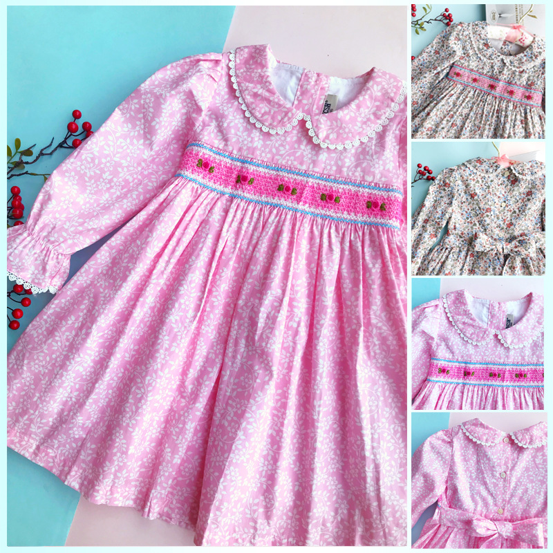 The series of lace doll collar floral print smocking dress