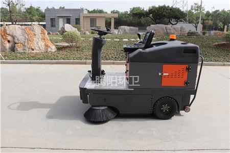 腾阳小型环卫扫地车的使用优势