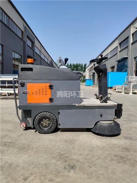 腾阳电动扫地车在使用中容易忽略的细节