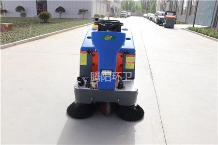 腾阳扫地车电池保养细节