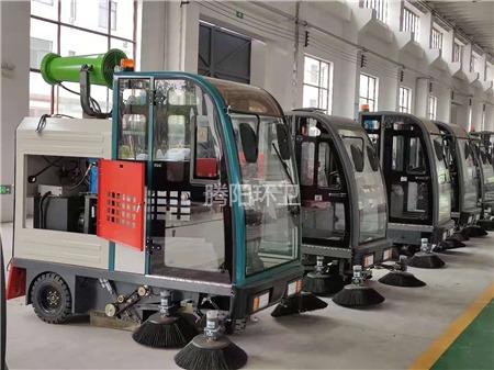 腾阳驾驶式扫地车的刷子一般多久替换
