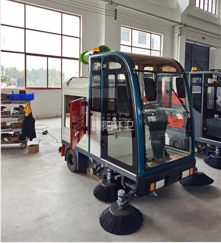 产业园使用腾阳电动扫地车的优点