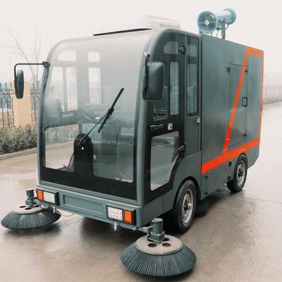 TY2400型驾驶式四轮电动道路清扫车