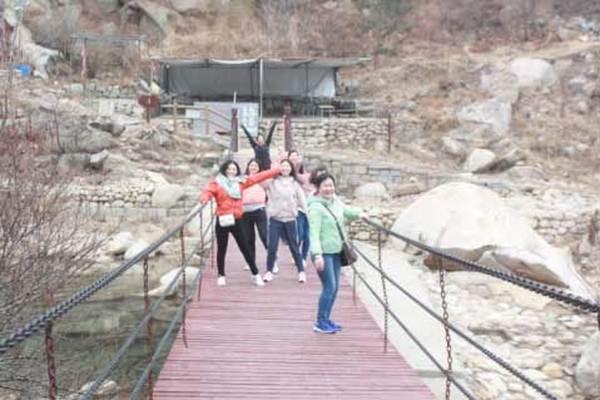 妇女节登山活动2