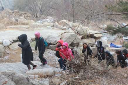 妇女节登山活动3
