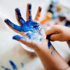 提升孩子艺术思维,激发创造力;促进孩 子丰富想象力,养成独自思考和探究精神