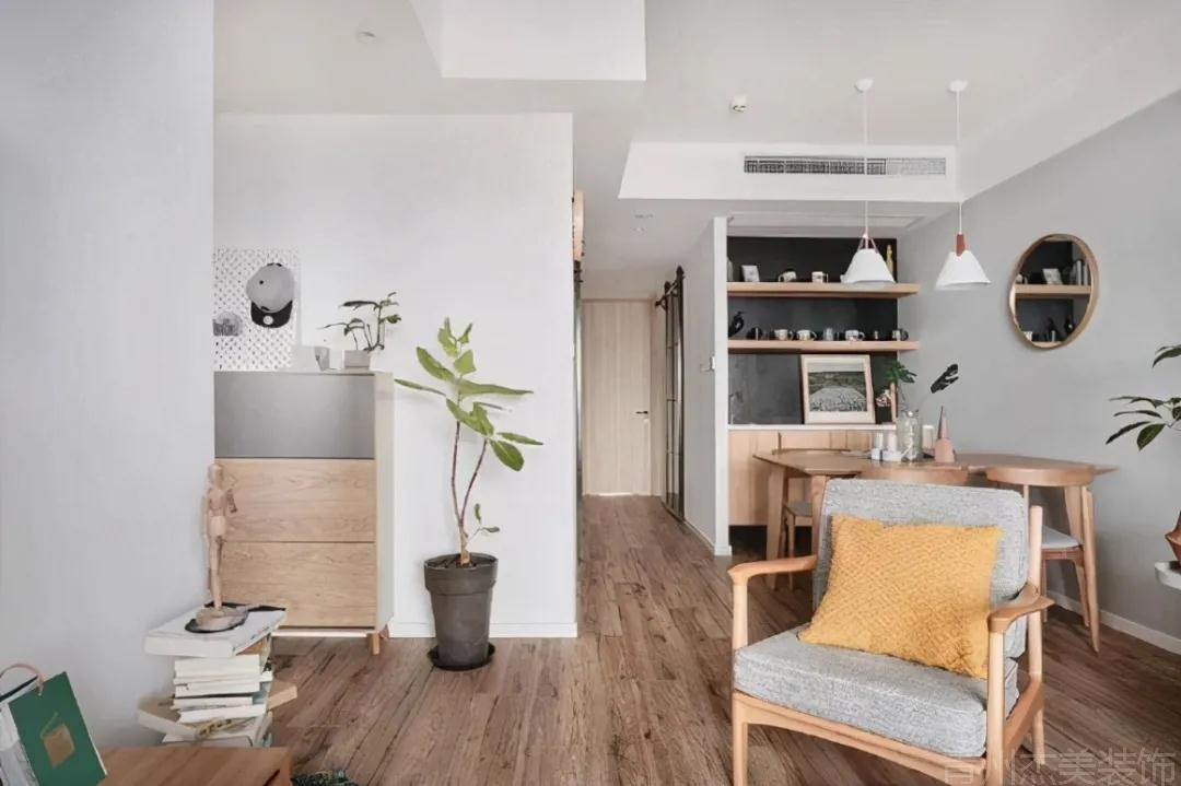看过原木北欧风设计的家发现,没有高档装修材料,反而更温馨舒适