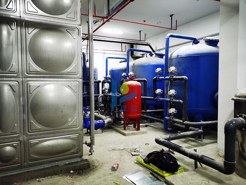 各种水处理设备成功安装