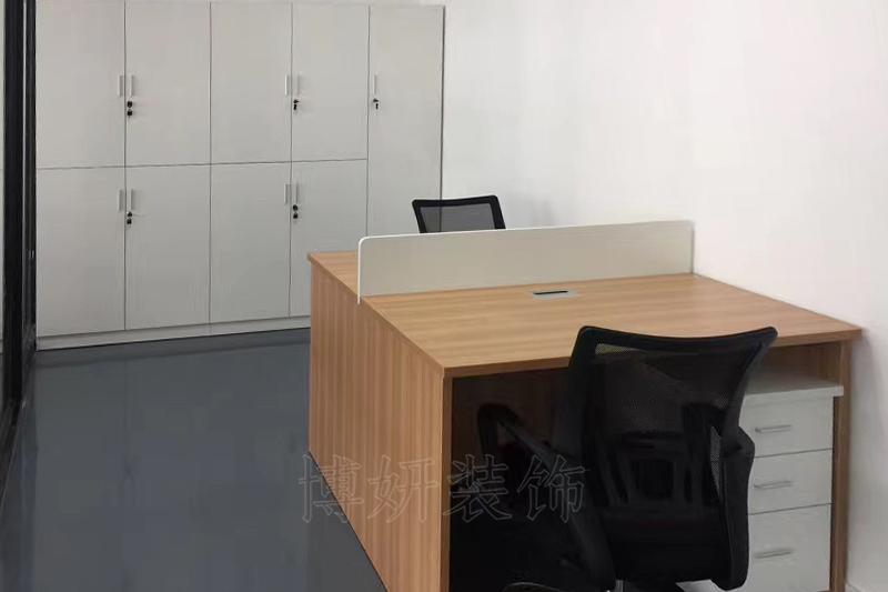华新时代办公室家具完工效果