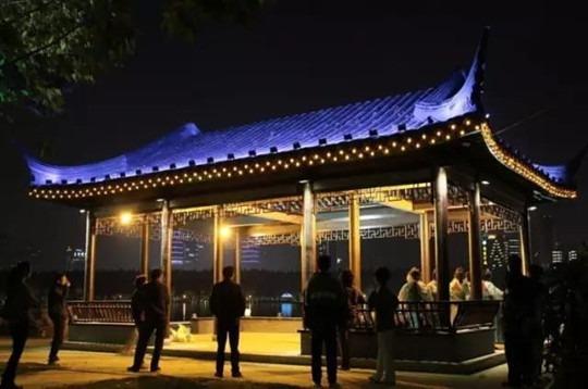 陕西亮化工程,LED亮化工程照明让城市生活丰富多彩样?