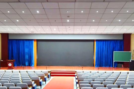 陕西LED显示屏,LED显示屏系统入校亮相多彩化展现