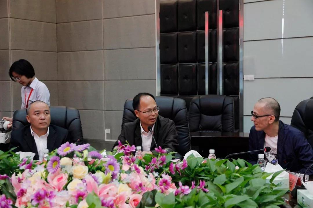 广东省肇庆市广宁县领导莅临中亚硅谷产业基地参观考察