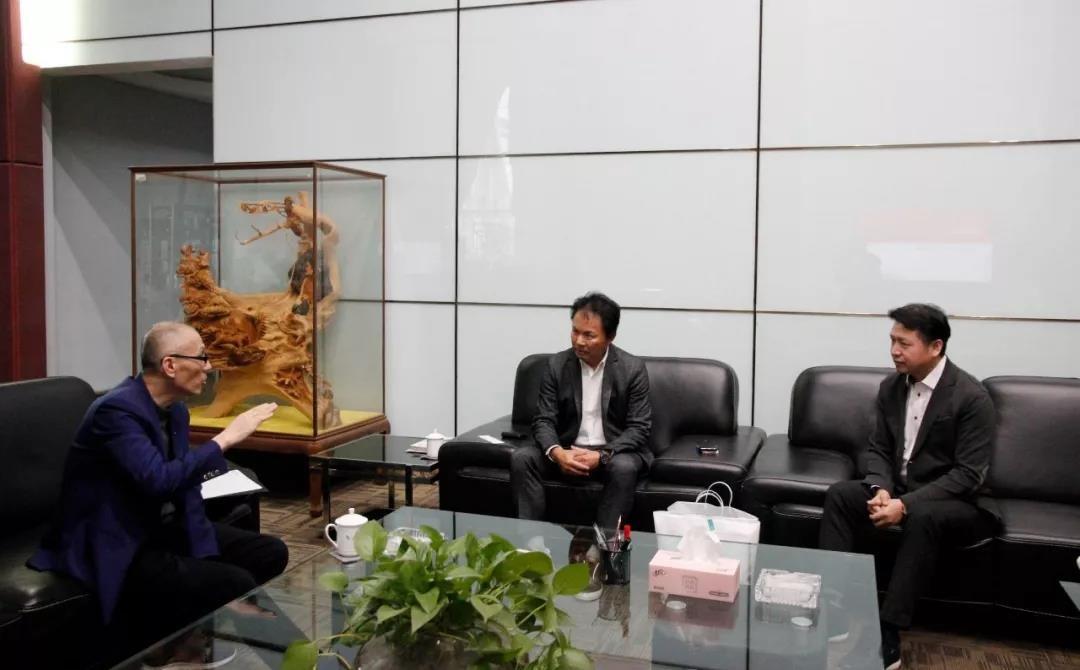 日本石墨烯项目负责人莅临中亚参观考察