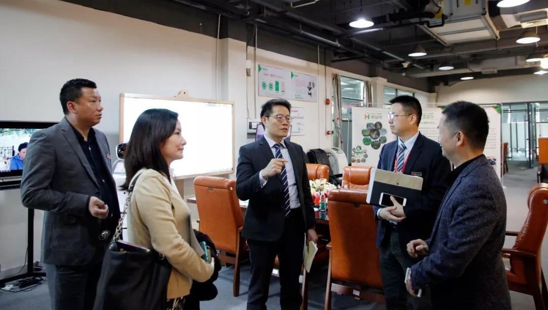 澳大利亚贸易委员会领导莅临中亚参观考察
