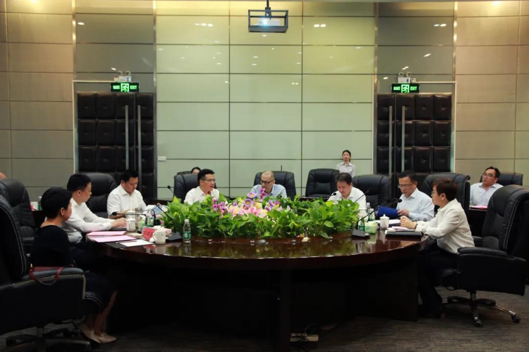 江苏省徐州市领导一行莅临中亚参观考察