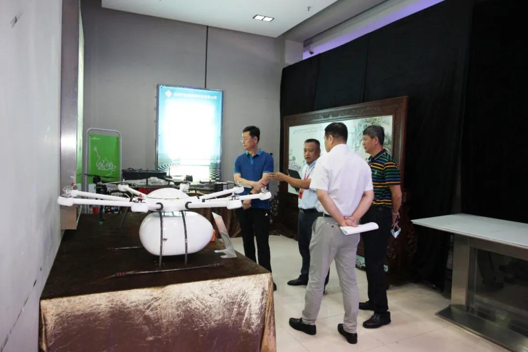 黑龙江省鸡西市鸡冠区领导莅临中亚硅谷产业基地参观考察
