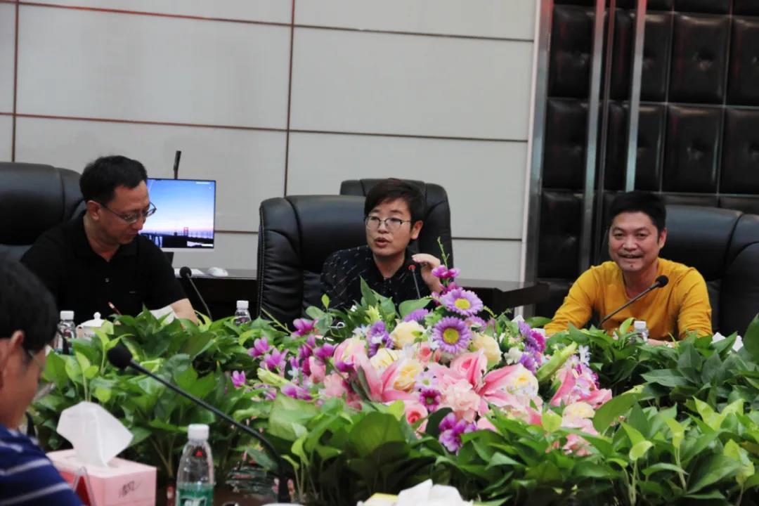 河北省邢臺市新河縣領導蒞臨中亞硅谷產業基地參觀考察