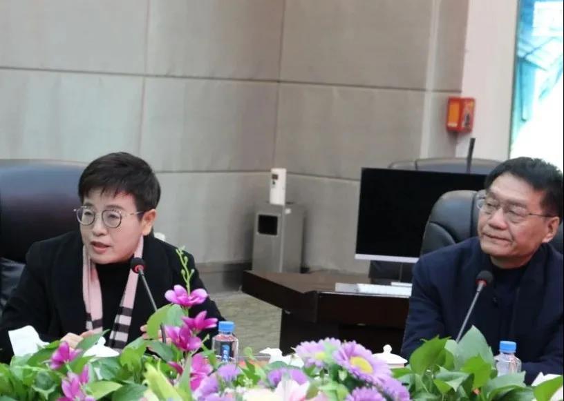 ESIA 定制你的未来丨深圳市伊思顿公学首场招生宣讲会在中亚圆满举行!