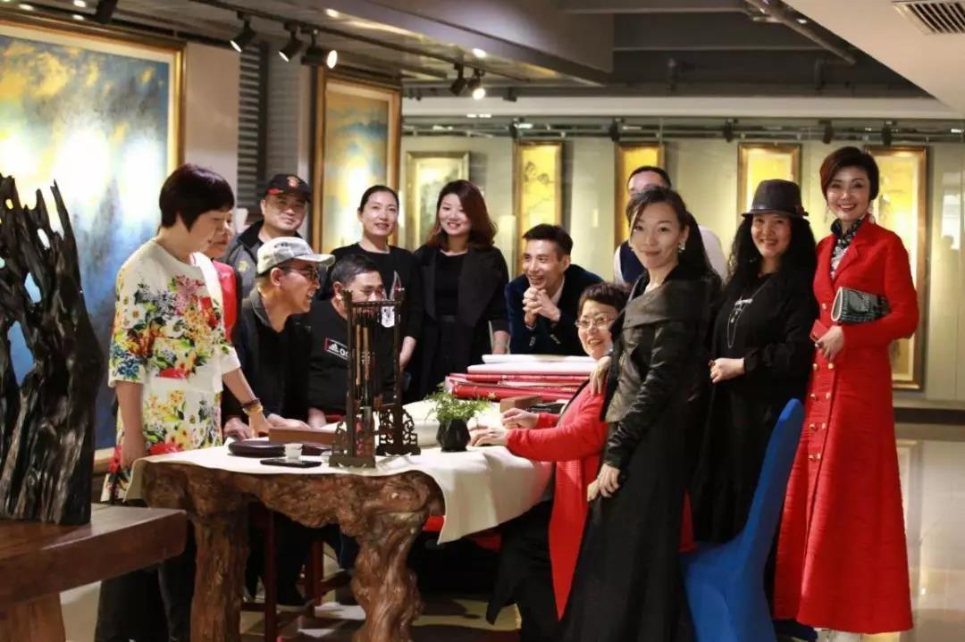 中亚心色美术馆新年启动艺术与诗美学生活