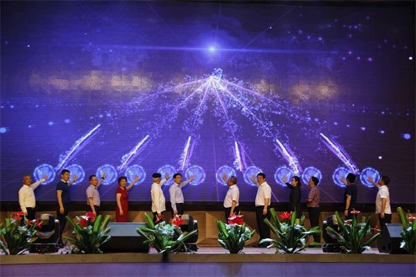 第十五届深圳文博会中亚硅谷艺立方手信文化产业园分会场隆重开幕