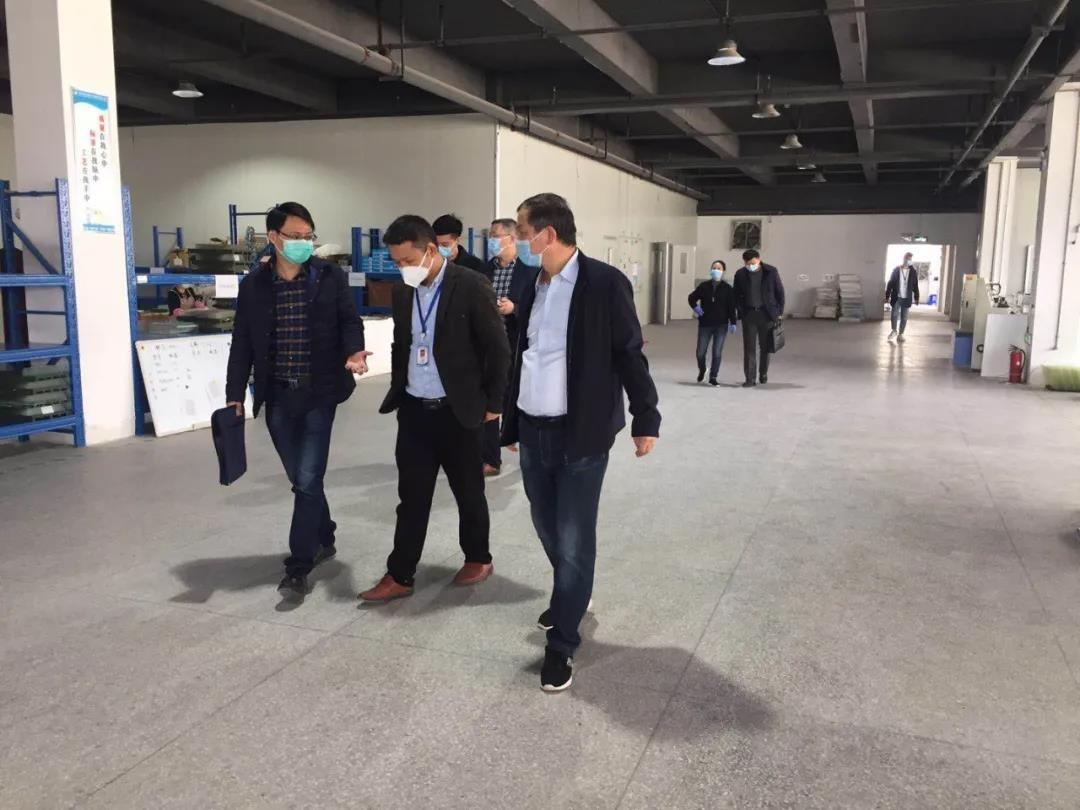 驰援湖北,中亚集团向湖北大冶政府捐赠防疫物资