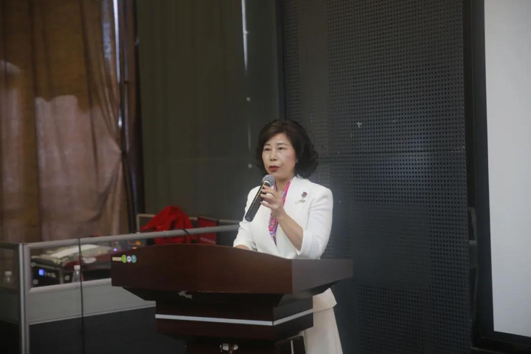 广东省女企业家协会副会长、珠海市女企业家协会会长张翠华发表讲话